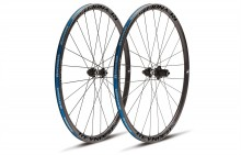 2017 REYNOLDS ATTACK DISC BRAKE CLINCHER WHEELSET